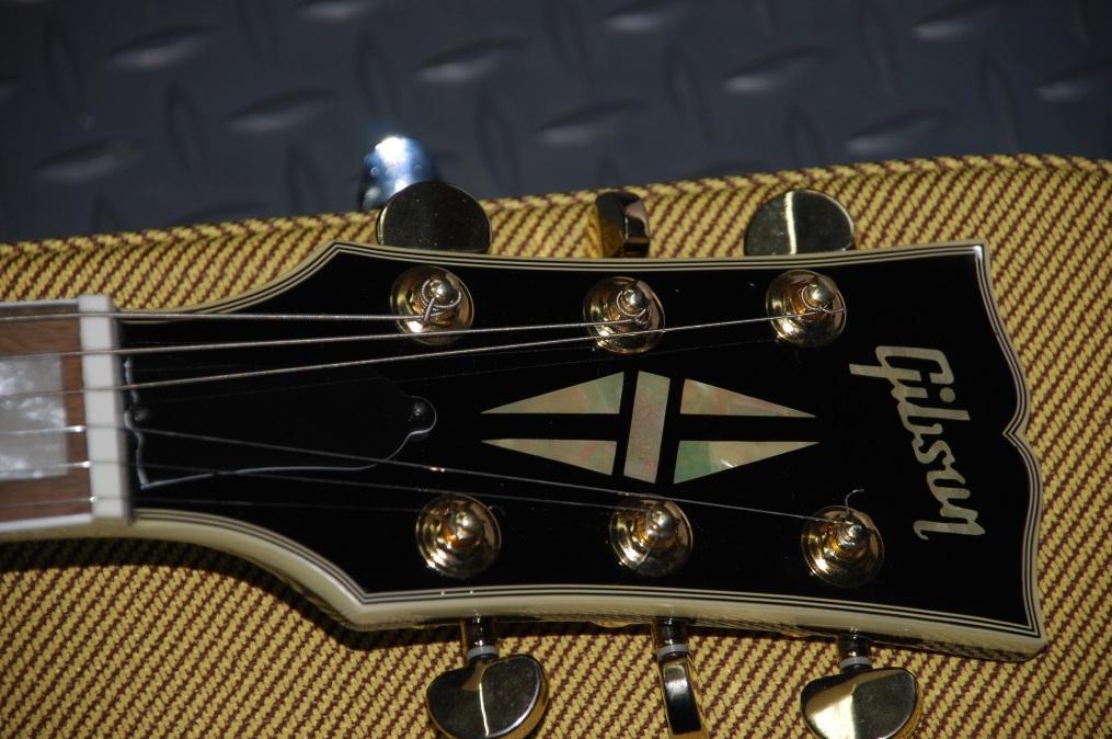 Gibson Les Paul - Help Identify