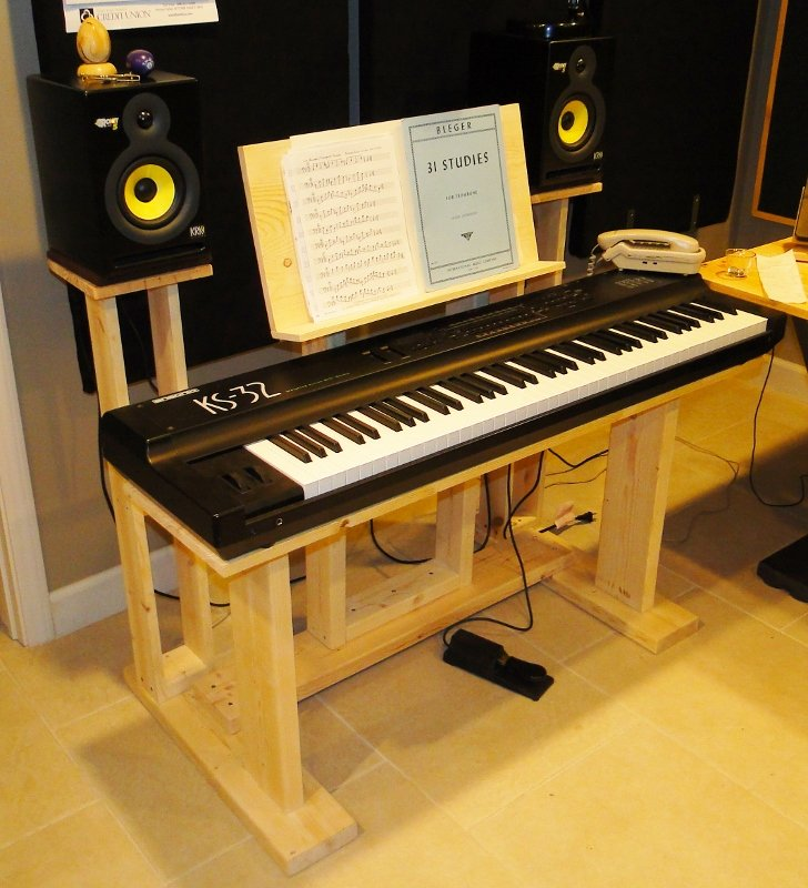 recording studio stuff diy keyboard desk stand. Black Bedroom Furniture Sets. Home Design Ideas