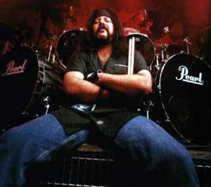 Image:Vinnie-paul.jpg